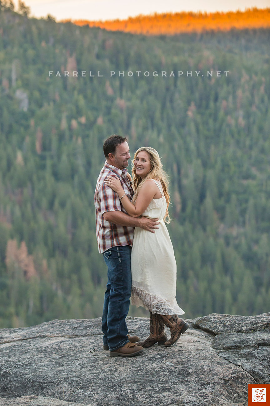 Hunting-Engagement-Sierra-Engagement-Session-Kirkwood-Wedding-by-Steven-farrell-of-Farrell-Photography-8231