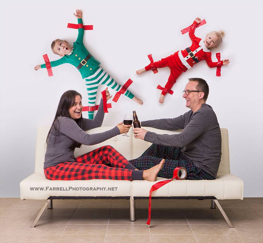 Christmas-photo-family-kids-taped-to-wall-farrell-photography-2015