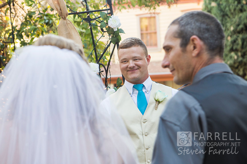Hotel-Ledger-Wedding-in-Mokelumne-Hill-CA-by-Steven-Farrell-of-Farrell-Photography-IMG_2011