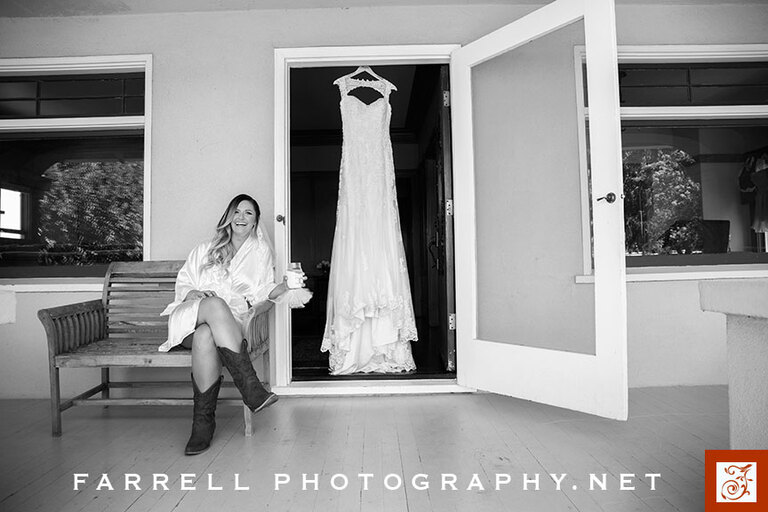 scribner-bend-vineyards-wedding-by-steven-farrell-of-farrell-photography-img_2765-gray-instagram
