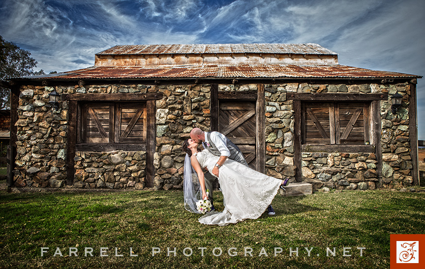 stone-barn-ranch-wedding-sacramento-with-tractor-at-night-by-steven-farrell-of-farrell-photography-img_2399a